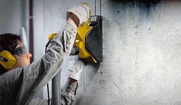 Штробить стены надо в респираторе и защитной одежде