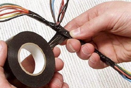 Изолента для защиты проводов